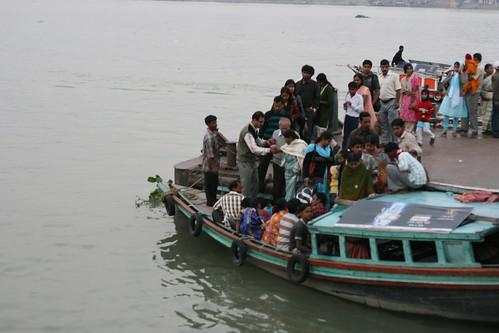 kolkata boat
