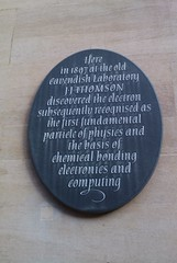 Photo of J. J. Thomson black plaque