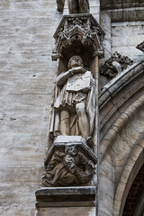 Bruxelles - Sculptures Hôtel de Ville (saigneurdeguerre) Tags: europe europa belgique belgium belgië belgien belgica bruxelles brussel brüssel brussels bruxelas street canon 5d mark iii 2 city cidade statue sculpture