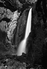 Moonlit Lower Yosemite Falls (Dave Toussaint (www.photographersnature.com)) Tags: world california longexposure travel vacation bw usa moon white black nature northerncalifornia night canon landscape nationalpark amazing moonlit yosemite sierras anseladams yosemitevalley watefall trekker 40d loweryoesmitefalls davetoussant httpphotographersnaturecom rmg:aaw=0 rmg:aal=0 rmg:tag=umng7 rmg:aav=5
