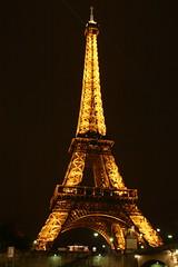 Le Tour Eiffel (Bucajack) Tags: paris france tower europe louvre eiffeltower eiffel toureiffel