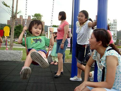 荳荳盪鞦韆@安坑「陽光運動公園」