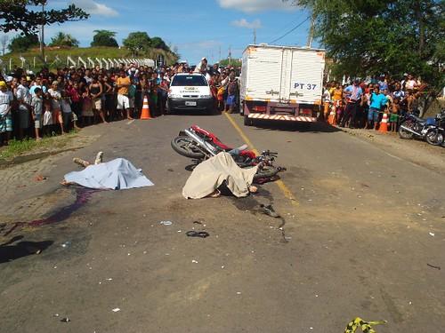 Acidentes com três vítimas fatais, neste domingo, em 16-08-09... 038 por você.