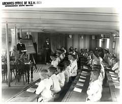 Anglų lietuvių žodynas. Žodis schooltime reiškia n  pamokų/paskaitų laikas 2 mokykliniai/mokymosi metai lietuviškai.