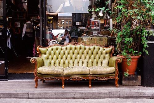 OM-10: sofa