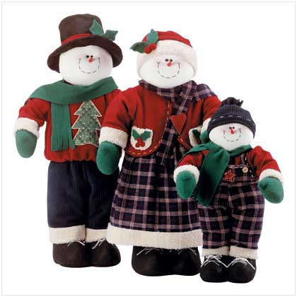 32423 Decorative Snowman Family $129.95