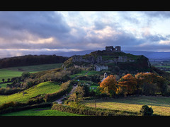 Rock of Dunamase (Janek Kloss) Tags: autumn ireland castle church rock port site october ruins photos hill tourist irland eire historic holy trinity valley 2009 attraction irlanda ierland masc j23  dn laois irlandia   hwdp  dunamase lirlande    moli516
