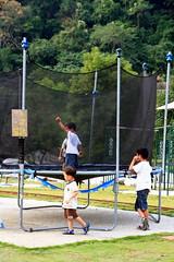 20091108_9782 (Yiwen103) Tags: 內灣 露營 尖石 卡丁車 櫻花谷 碰碰船 踏踏球