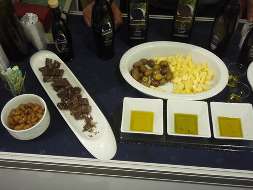 Chocolate goes well with Buža olive oil