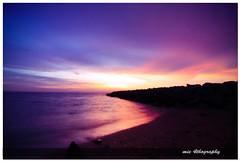 Pantai Punggur, Batu Pahat 02 (mie abdullah) Tags: sunset cloud color beach rock canon dusk batu pahat punggur mieabdullah peregrino27newvision