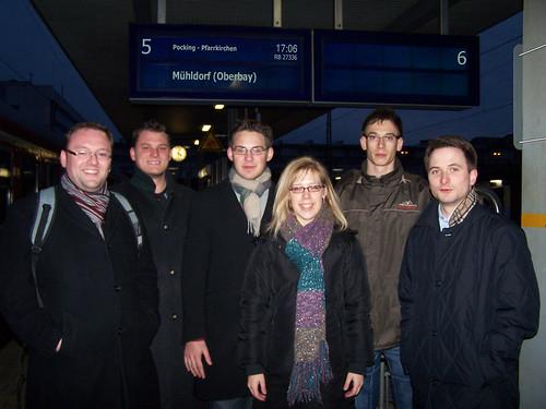 2009-12-13 | Jusos Rottal und Jusos Passau begrüßen Stundentakt auf der Rottalbahn