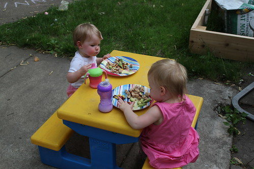 Mia and Annie eating dinner