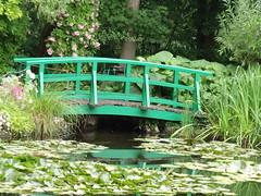 Monet's Garden - Water Lillies, Pond and Bridge (ell brown) Tags: bridge france pond footbridge monet normandy waterlillies giverny claudemonet eure hautenormandie uppernormandy