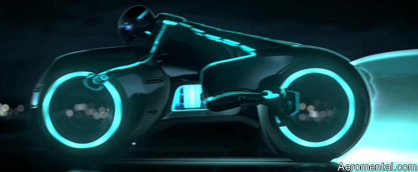 TRON Legacy Light Cycle larga