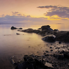 monkey magic (Stuart Stevenson) Tags: longexposure sea summer sky shells seascape sunrise canon outdoors scotland sand rocks edinburgh canon300d stones tide naturallight stuart forth peebles f22 colourful 18mm cramond monkeymagic lovelymorning stuartstevenson monkeysegg ©stuartstevenson