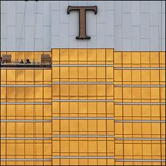 Donald's cleaners (leuntje) Tags: usa t gold lasvegas nevada explore trumpbuilding windowcleaners trumpinternationalhotel outdoortype