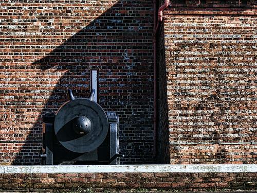Explosion! Museum, Topaz Adjust