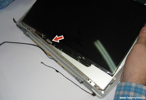 Достаем LCD экран MacBook Air
