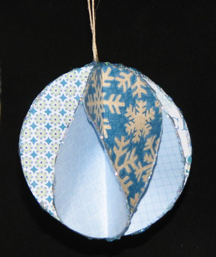 #6 - Die Cut Segmented Ornaments with a Twist 007
