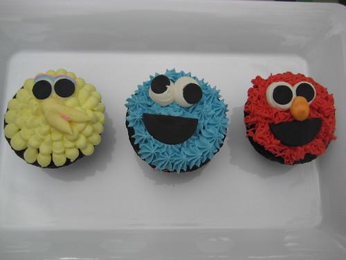 Sesame Street cupcakes by kristin_a (Meringue Bake Shop)