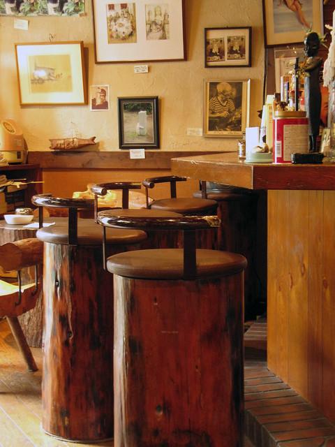 Café Rampo: Stools