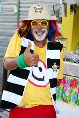 Palhao traz vida para a rua. (vandevoern) Tags: brasil handicraft artesanato caruaru pernambuco nordeste sojoo festasjuninas kunsthandwerk altodomoura vandevoern