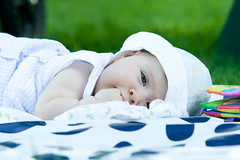 Pique-nique   Picnic (Sbastien Daigneault) Tags: baby picnic child enfant bb flavie piquenique