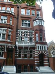P1110878.JPG (londonconstant) Tags: uk england architecture victorian gb cadogangardens cadoganestate londonconstant costilondra