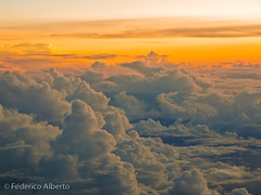 On My Way (Federico Alberto) Tags: sunset sky window clouds atardecer ventana golden flying do dominicanrepublic dusk dr flight olympus ciel cielo nubes vol nuages fentre rd 43 dorado ep1 vuelo adaptador muzz volando coucherdusoleil repblicadominicana m43 volant rpubliquedominicaine fourthirds dore santiagodeloscaballeros cuatrotercios zd1260mmswd micro43 microfourthirds microcuatrotercios 43 olympusep1 fourthirds cuatrotercios mcuatrotercios mfourthirds zuikodigital1260mmf2840edswd