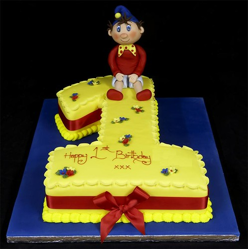 002656 Medium Figure One with Noddy Model Birthday Cake