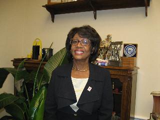 Rep Maxine Waters