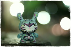 lcheln (thewhitestdogalive) Tags: light blur night fun 50mm bokeh kidrobot nightlife dots urbanvinyl dunny designertoys outfocused thomashan vinyltoys sonyalphadslra200 sonysti series2009