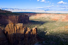Artists Point and Monument Canyon (kmanohar) Tags: travel landscape scenery colorado roadtrip journey roadtripusa shadowplay nationalparkservice nationalmonument americanwest grandjunction fruita coloradoroadtrip americansouthwest coloradonationalmonument civilianconservationcorps coloradoplateau getaways thewest scenicdrive coloradoscenery westerncolorado artistspoint westernusa rockmonument coloradomonument aridregion spectacularview coloradoutahborder grandjunctioncolorado sweepingvista desertshadows semidesert mesacounty rimrockdrive laramideorogeny monumentcanyon highplateau uncompahgreplateau fruitacolorado westernshadows americanroadtrip coloradophotography beautifulcolorado widevista westernamerica sceniccolorado mesacountycolorado drycolorado scenicroadtrip dryusa dryplateau americansouthwestroadtrip semiaridregion aridcolorado americanwestlandscape aridusa coloradoshadows highdesertshadows southwesternshadows coloradonationalmonumentphotography