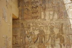 Karnak, Amun's temple (guido camici) Tags: pentax egypt karnak isis egitto glyph colum colonne colonna faraon iside faraone orus pentaxk10d geroglifico osirid tempiodiamun osiride sigma1015 amunstemple karnaktempiodiamumn colims hieroglyphhierogliph