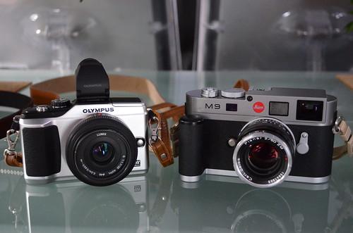 Nikon D5100 18-55mm f/3.5-5.6 leica M9 zeiss 50mm T* Planar f/2 Olympus E-PL2 20mm f/1.7