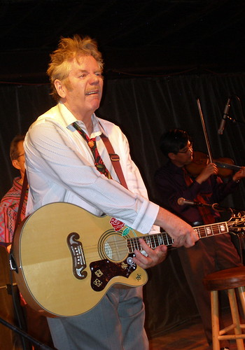 FANCY PICKIN' FROM DAN HICKS