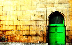 Knockin' on Heaven's Door (Syed Ahsan) Tags: door green bobdylan hyderabad ahsan meccamasjid