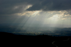 Moel Famau streaming sun breaks through the he...