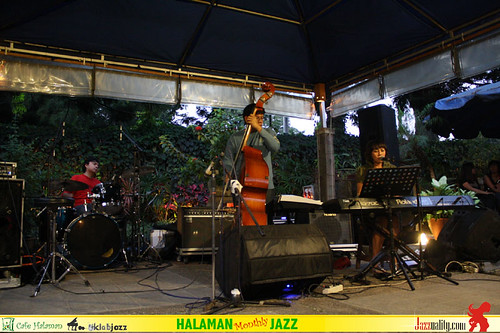 Halaman Monthly Jazz - Imelda Rosalin Trio