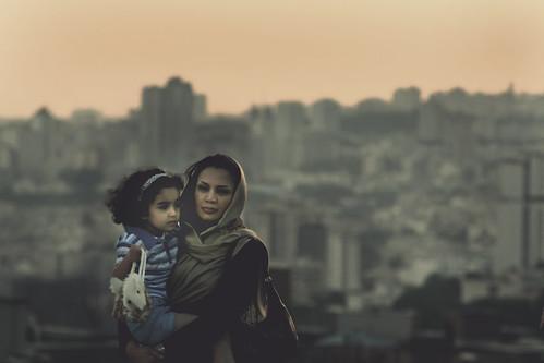フリー画像| 人物写真| 一般ポートレイト| 親子/家族| ストール| イラン人|      フリー素材|