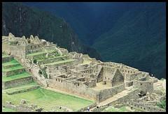 Machu Picchu (Claudio Arriens) Tags: travel peru 35mm landscape ciudad machupicchu incas sudamerica canonslr canoneos3000