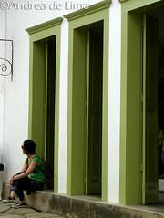Inconscientemente propositada (Andrea de Lima) Tags: woman verde green praia beach colors paraty cores mulher em foco matched combinando