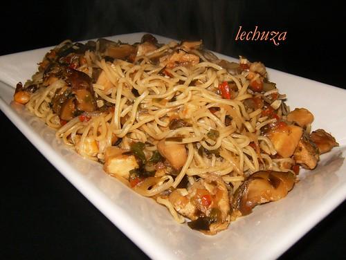 noodles de teriyaki con kombu-fuente