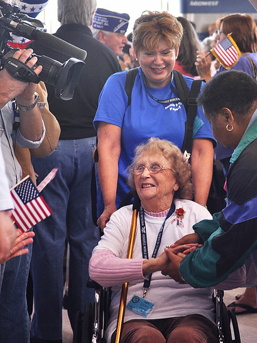World War II Vet Welcomed at Reagan National Airport