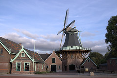 Koedijk, windmill De Gouden Engel (Quistnix!) Tags: koedijk alkmaar degoudenengel stellingmolen korenmolen gristmill moulin mühle moulinàvent molinodeviento vindmølle moinhodevento ветрянаямельница windmühle väderkvarn mulinoavento ανεμόμυλοσ molen windmill windmolen cornmill