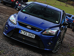 Focus RS (Peter Hokke) Tags: blue ford canon germany eos amazing focus looking entrance peter angry rs nrburgring nurburgring hokke 450d