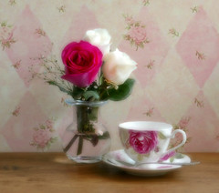 Nice time for a tea break. ☕ (Through Serena's Lens) Tags: 52stilllifes soft odc sixwordstory flower roses vase teacup finebonechina spoon stilllife tabletop softfocus
