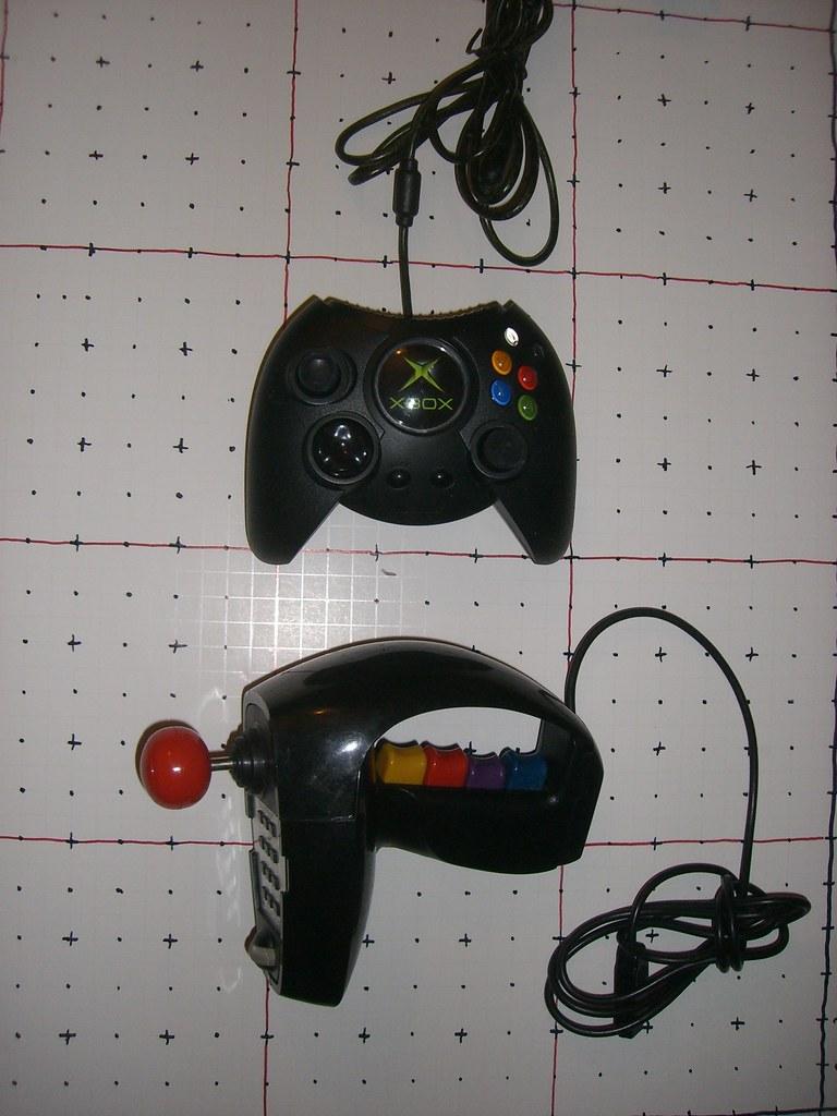 Coleco Super Action Controller vs. Original XBox Gamepad