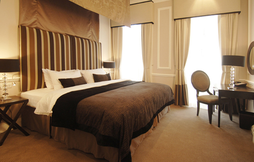 Montagu Place - Swanky Room