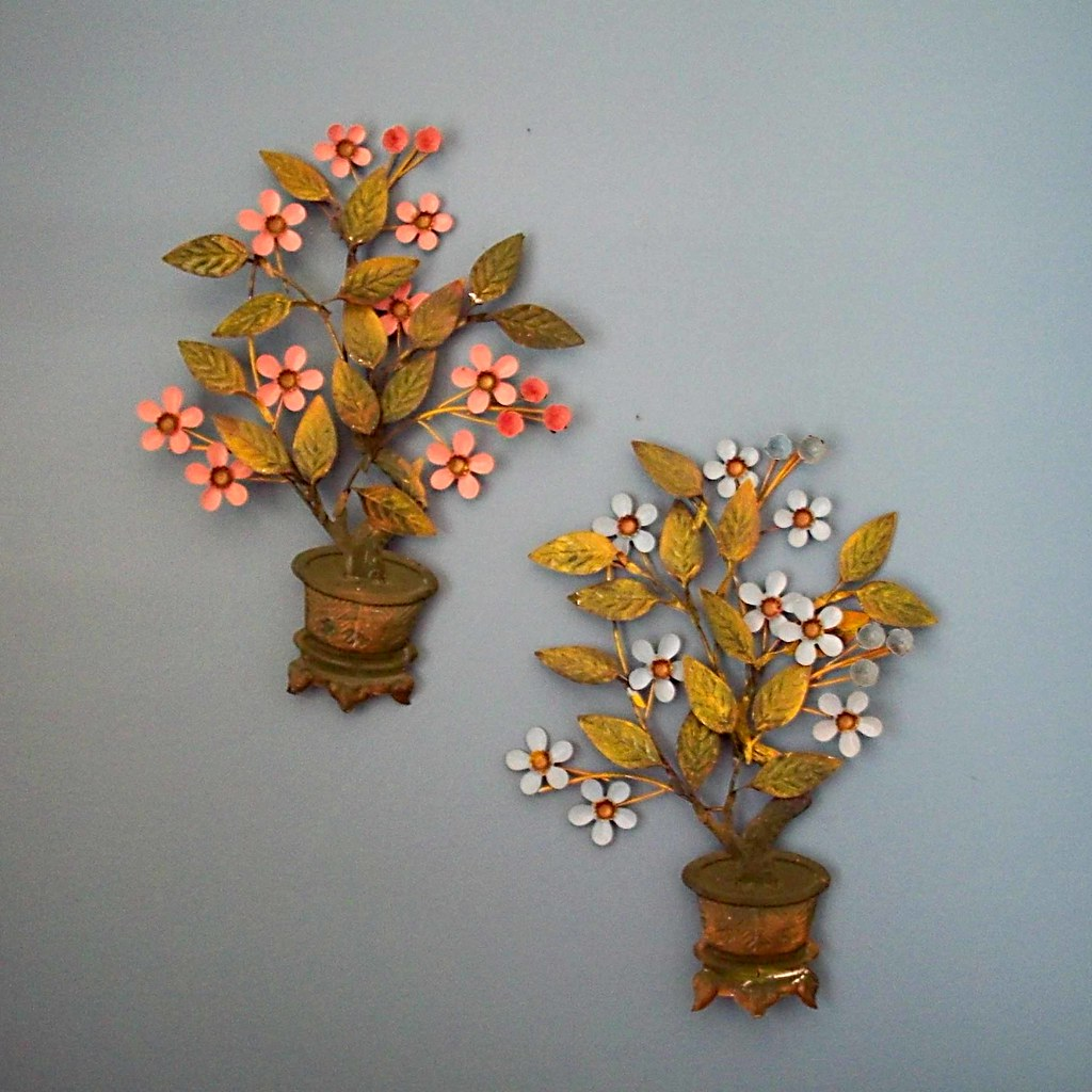 60s flower wall hanging